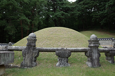 광릉(정희왕후) 난간석