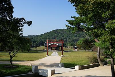 의릉 홍살문