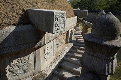 장릉 병풍석과 난간석